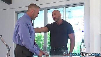 bodybuilder porn, homosexual, jizz xxx, mature women, older woman fucking